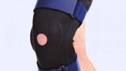 Ортез на больном колене